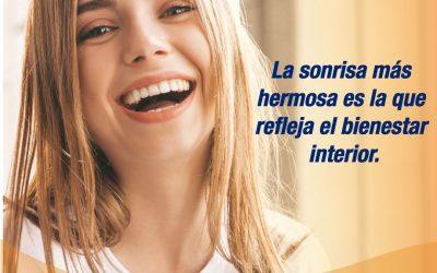 La sonrisa más hermosa es la que refleja el bienestar interior.